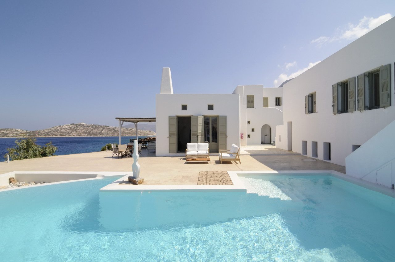 Luxury-Villa-Pool-and-Sun-Deck-Five-Star-Greece-UltraVilla