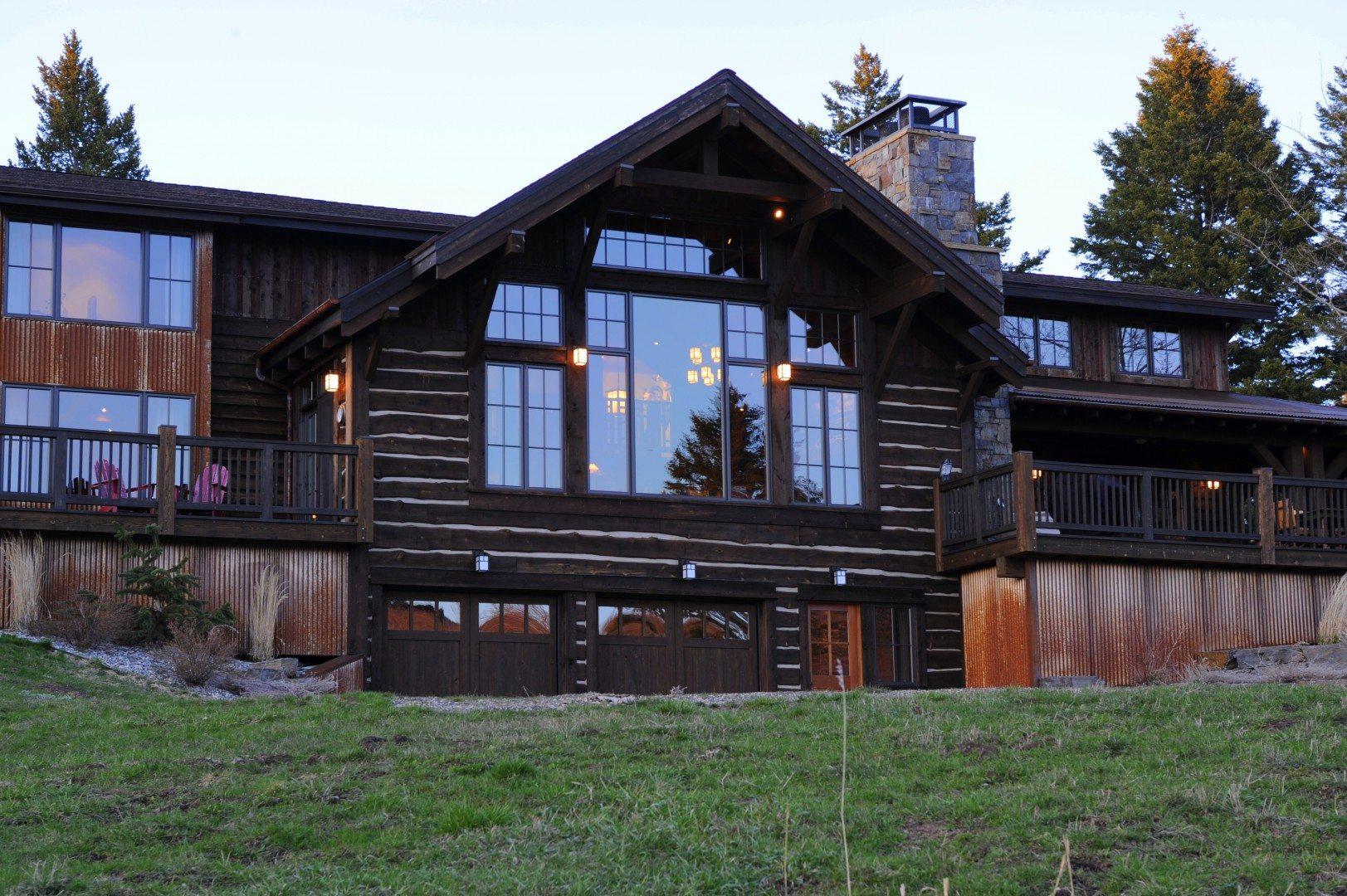Exterior-Mountain-Home-Montana-Vacation-Rentals-UltraVilla