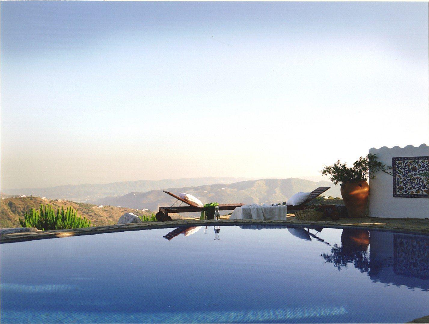 Luxury-Villa-Pool-Europe-Carpe-Diem-Luxury-Travel-UltraVilla