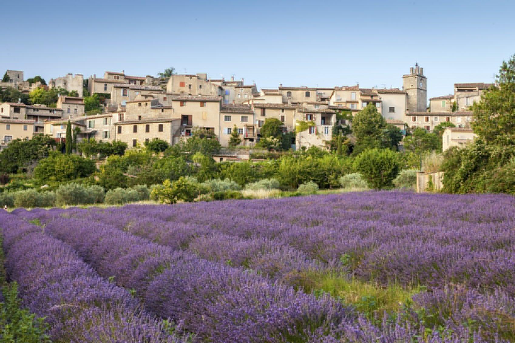 Saignon village, Vaucluse region, Provence, France