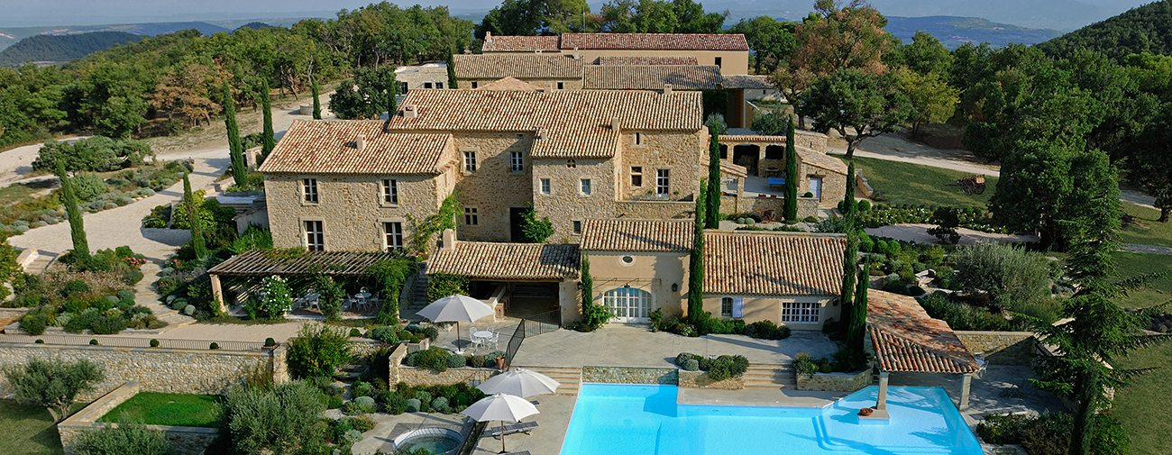 lv-ext-aerial-panoramic-house-pool