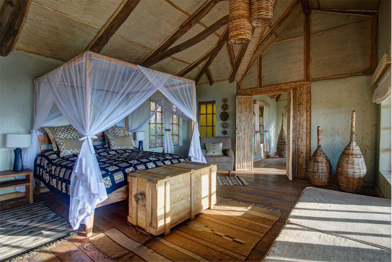 Randazoo-Virunga Lodge-201570