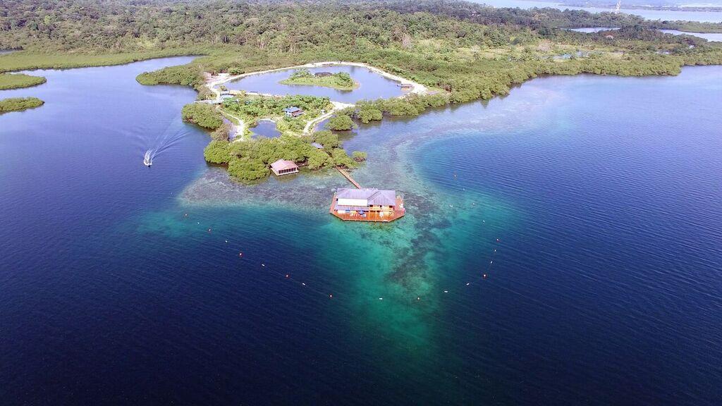 Boca Overwater Villa, Panama, Villas and Apartments Abroad