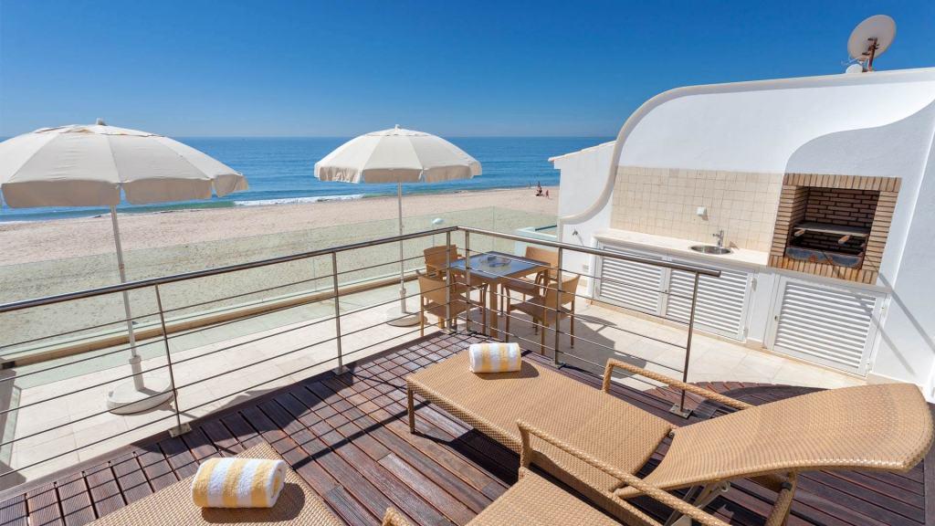 Villa-Estrela-do-Mar-Barbecue-Algarve-Vila-Vita-Collection-UltraVilla