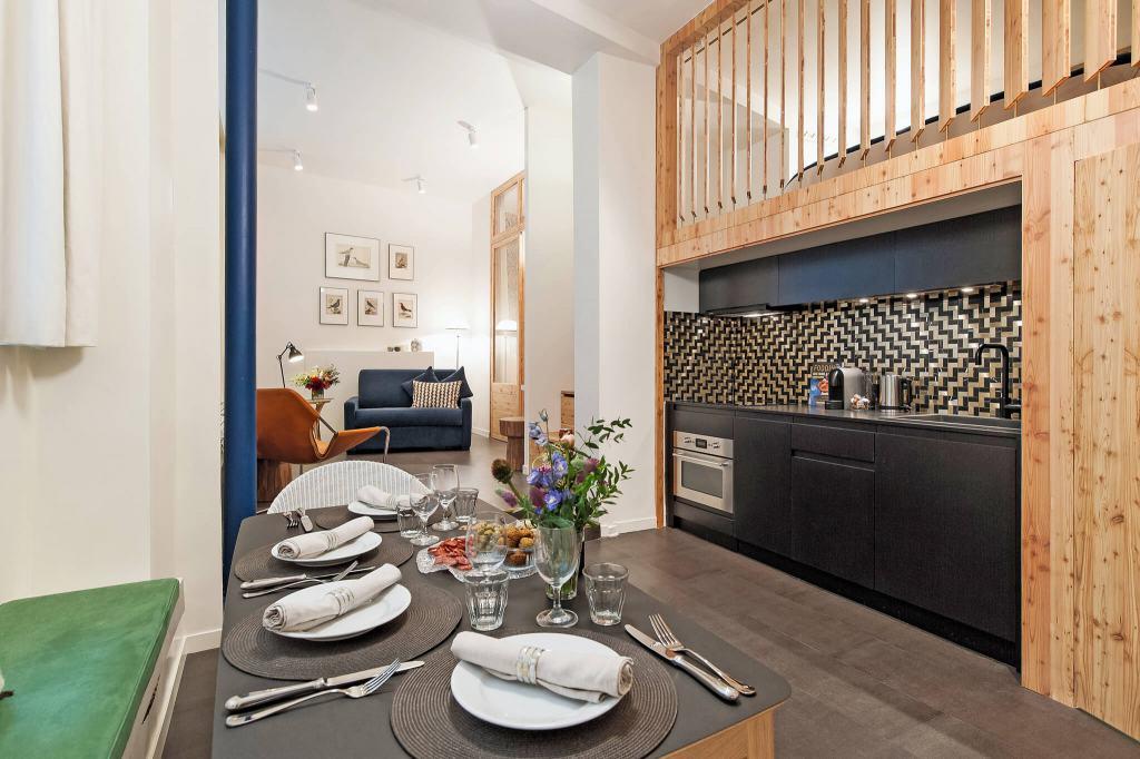 Hotel-de-Ville-Apartment-Open-Plan-Paris-Haven-In-UltraVilla