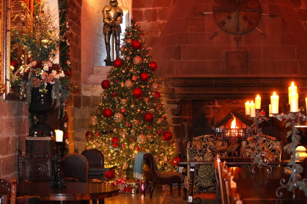 Borthwich-Castle-Christmas-Scottish-Borders-Loyd-&-Townsend-Rose-UltraVilla