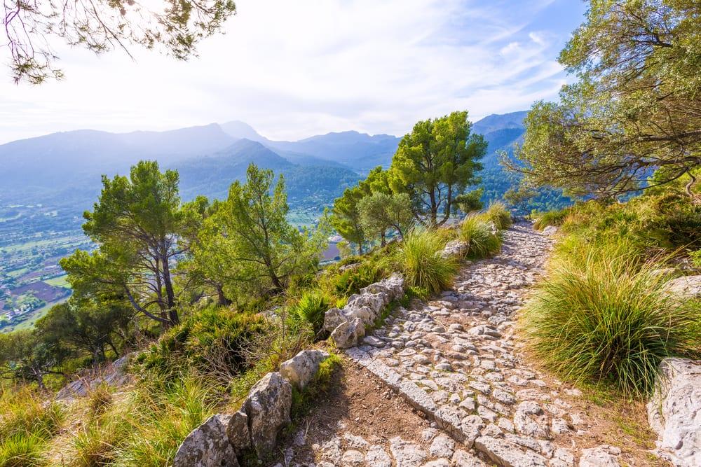 Alaro-Mallorca-The-Luxury-Travel-Book-UltraVilla