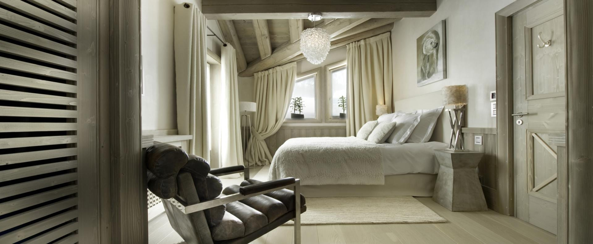 Bedroom-White-Pearl-Val-d'Isere-Ultimate-Luxury-Chalets-UltraVilla