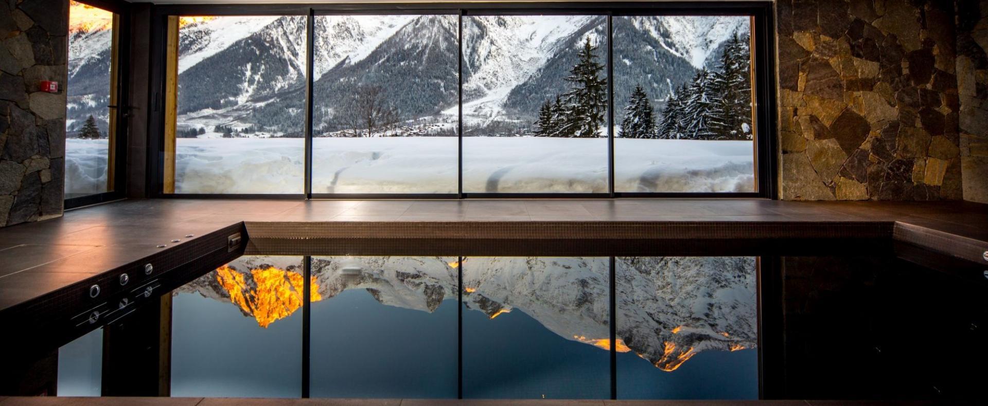 Pool-Le-Chalet-Mont-Blanc-Chamonix-Ultimate-Luxury-Chalets-UltraVilla