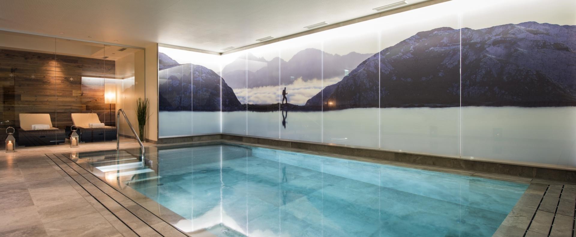 Pool-Eden-Rock-St-Anton-Ultimate-Luxury-Chalets-UltraVilla